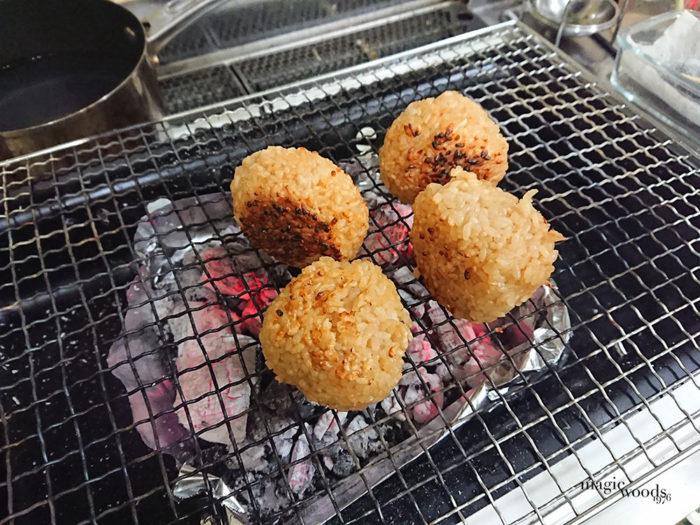 自炊を楽しく!自宅でキャンプ飯冷凍食品の焼きおにぎり風